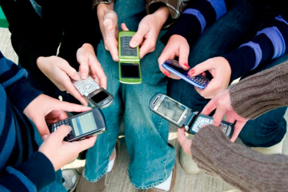 Imagem de Por que tanta gente prefere ainda prefere usar celulares antigos? no tecmundo