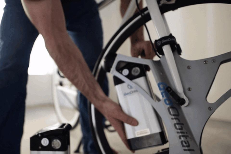 Imagem de Quer transformar qualquer bike em elétrica em apenas 1 minuto? no tecmundo