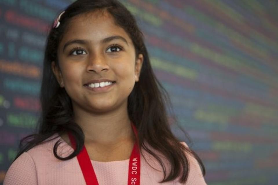 Imagem de Anvitha Vijay, a programadora de 9 anos que foi a um evento da Apple no tecmundo