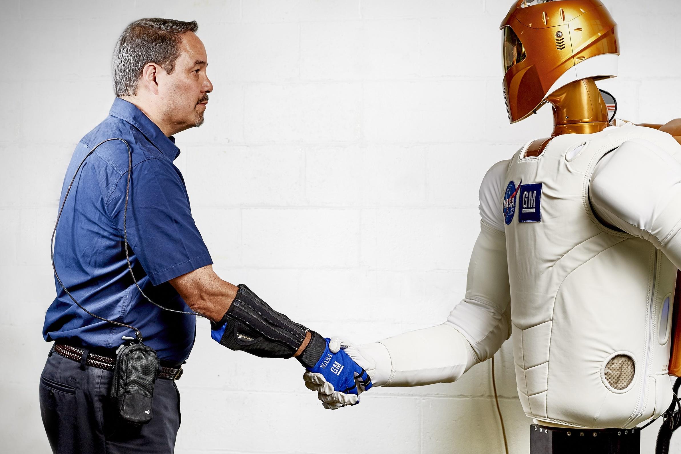 Imagem de RoboGlove: luva super poderosa da NASA está pronta para entrar em ação no tecmundo