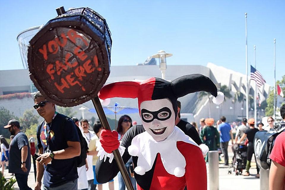 Imagem de Arlequinas dominam Comic-Con: veja mais uma grande galeria de cosplays no tecmundo