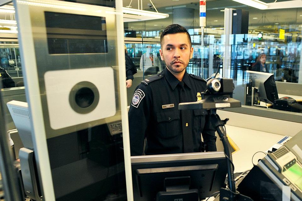 Imagem de Aeroportos brasileiros usam sistema de segurança de monitoramento facial no tecmundo