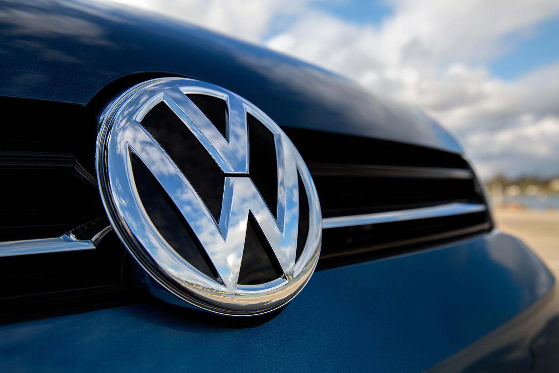 """Imagem de Especialistas descobriram como """"hackear"""" mais de 100 mi de carros da VW no tecmundo"""