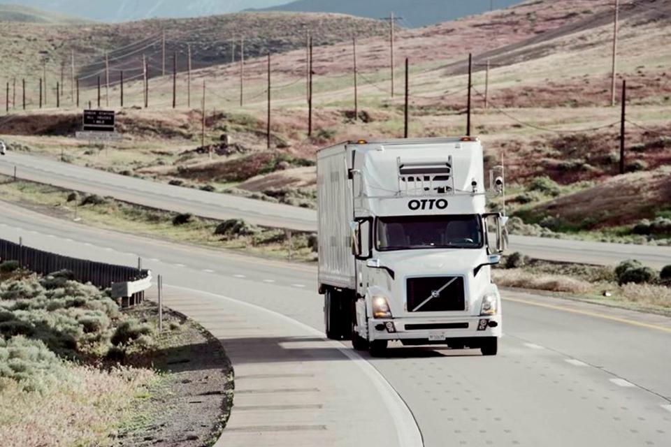 Imagem de Carga pesada e sem motorista: Uber compra startup de caminhões autônomos  no tecmundo