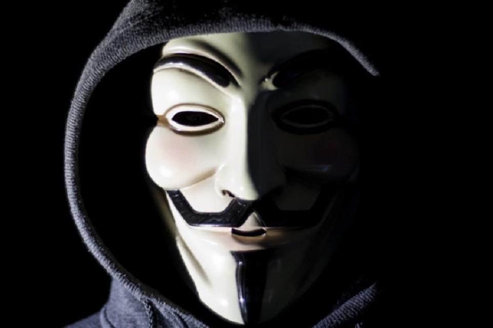 Imagem de Anonymous expõe dados pessoais de diretores da Claro no tecmundo