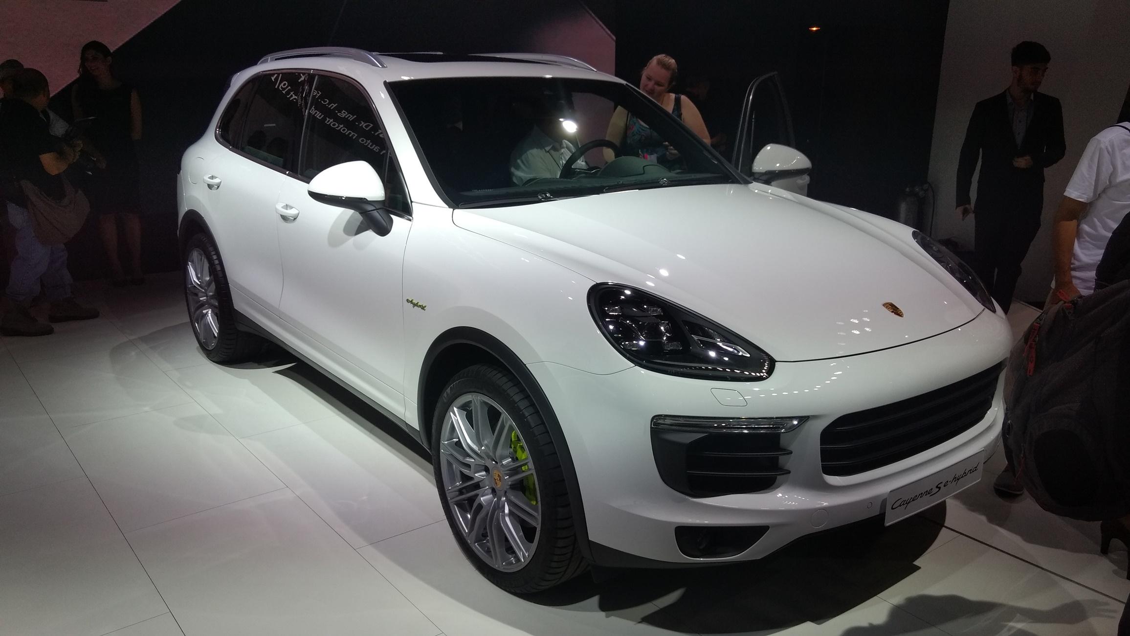 Imagem de Nada de esportivos: foco da Porsche no Brasil é nos SUVs e grand tourer no tecmundo