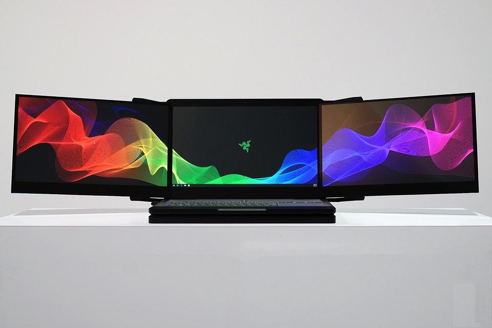 Imagem de É isso mesmo, amigos: a Razer construiu um notebook com três telas  no tecmundo
