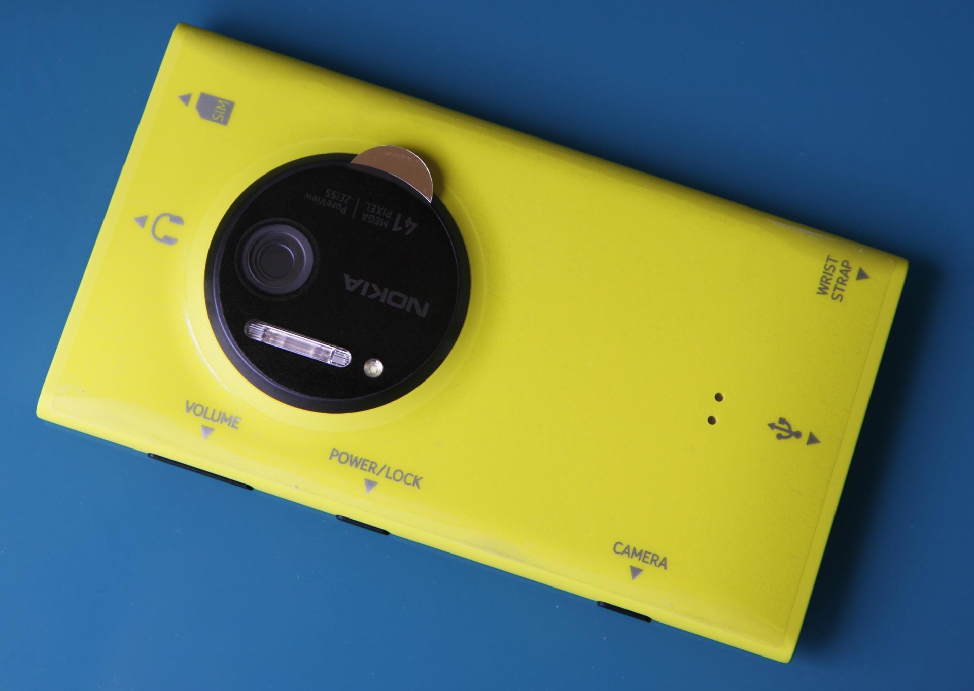 Imagem de 3 anos depois, Lumia 1020 vira microscópio portátil na mão de cientistas no tecmundo