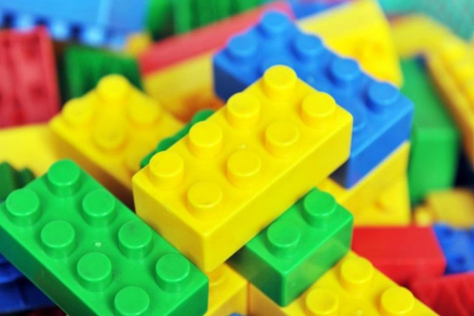 Imagem de Quantas combinações conseguimos fazer com 6 peças de LEGO? no tecmundo