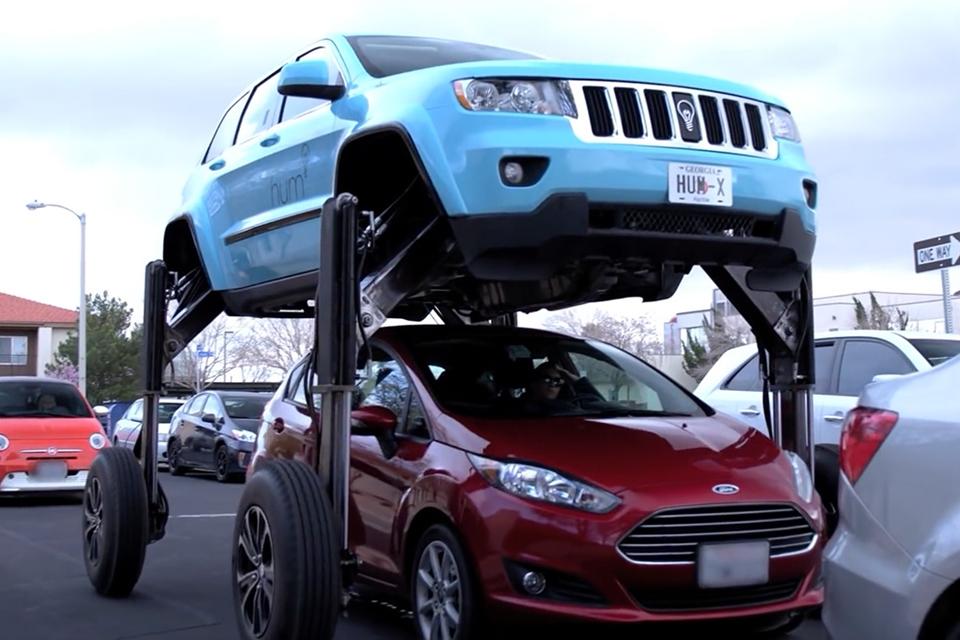 """Imagem de """"Tá com pressa? Passa por cima!"""": Hum Rider é o carro capaz de fazer isso no tecmundo"""