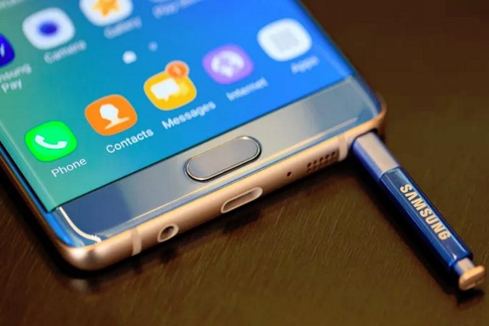 """Imagem de Rumor: tela do Galaxy Note 8 deve passar S8+ e ter mais de 6"""" no tecmundo"""