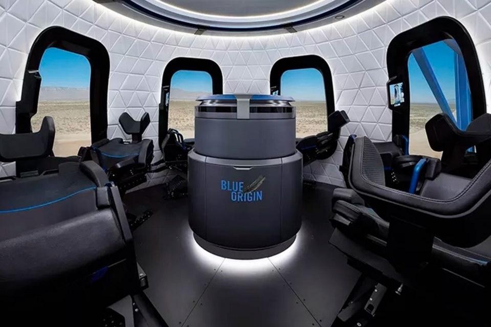 Imagem de CEO avisa: você não poderá ir ao banheiro na viagem espacial da Blue Origin no tecmundo
