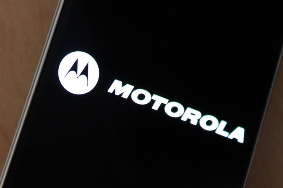 Imagem de Ficou bonito: veja a primeira imagem do Moto Z2 Play no tecmundo