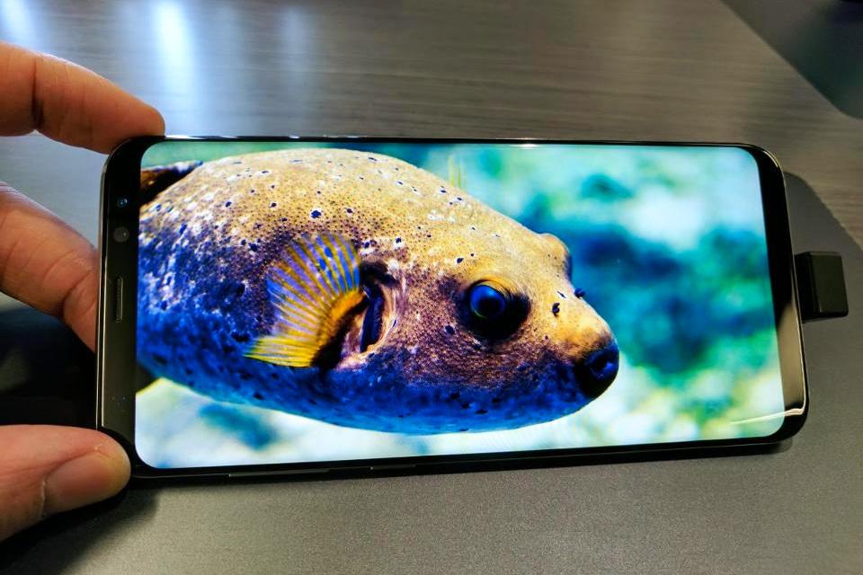 Imagem de S9 à vista? Samsung pode ter novo display com quarteto de bordas curvas no tecmundo