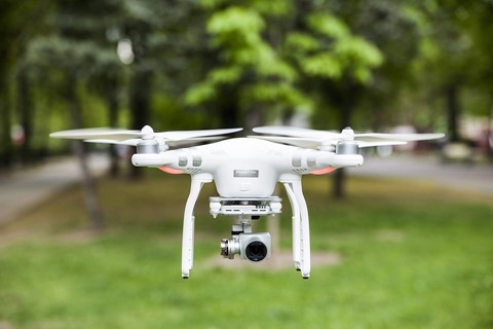 Imagem de DJI poderá deixar seu drone inutilizável se não tiver registro oficial no tecmundo