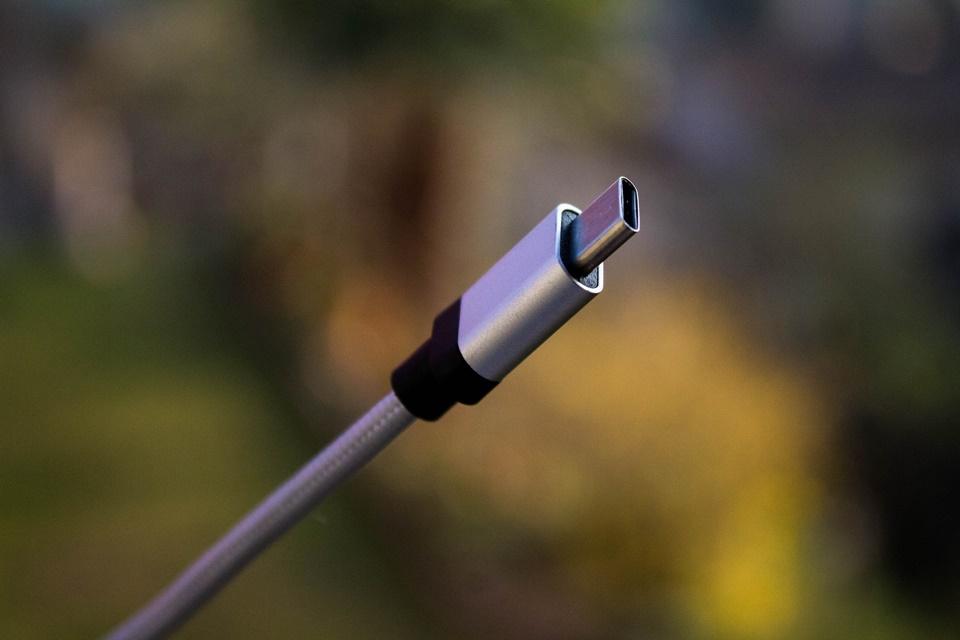 Imagem de Intel planeja oferecer tecnologia Thunderbolt sem cobrar royalties no tecmundo