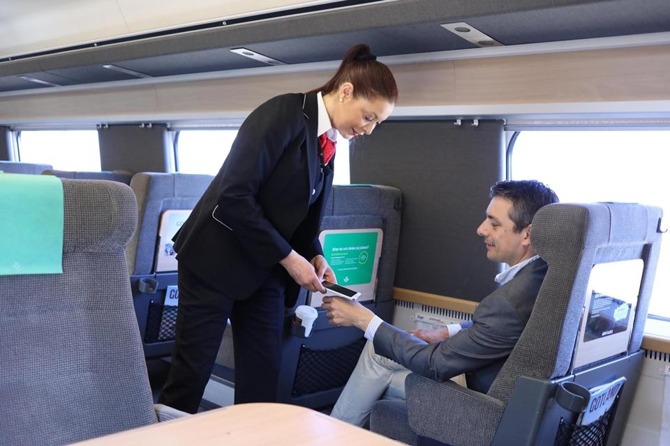 Imagem de Alguns suecos já usam chip implantado na mão para pagar viagem de trem no tecmundo