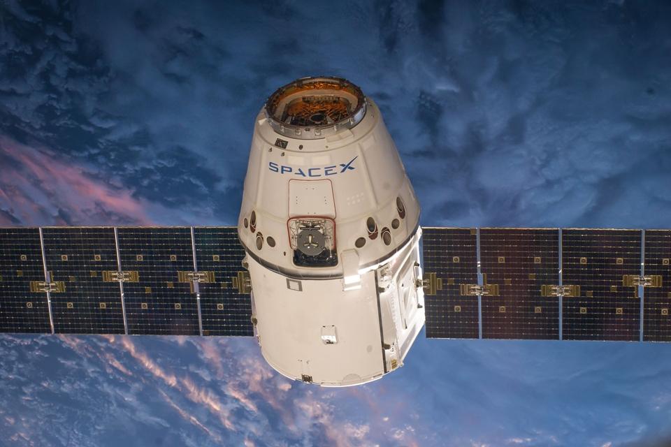 Imagem de Muito além do espaço: conheça a trajetória de vida de um satélite no tecmundo