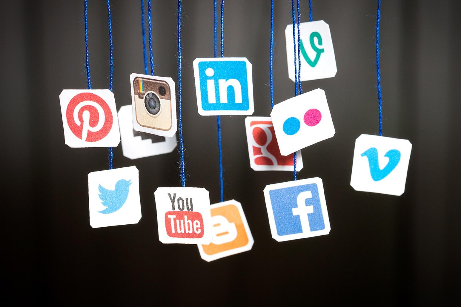 Imagem de 3 bilhões: cerca de 40% da população mundial usa redes sociais ativamente no tecmundo
