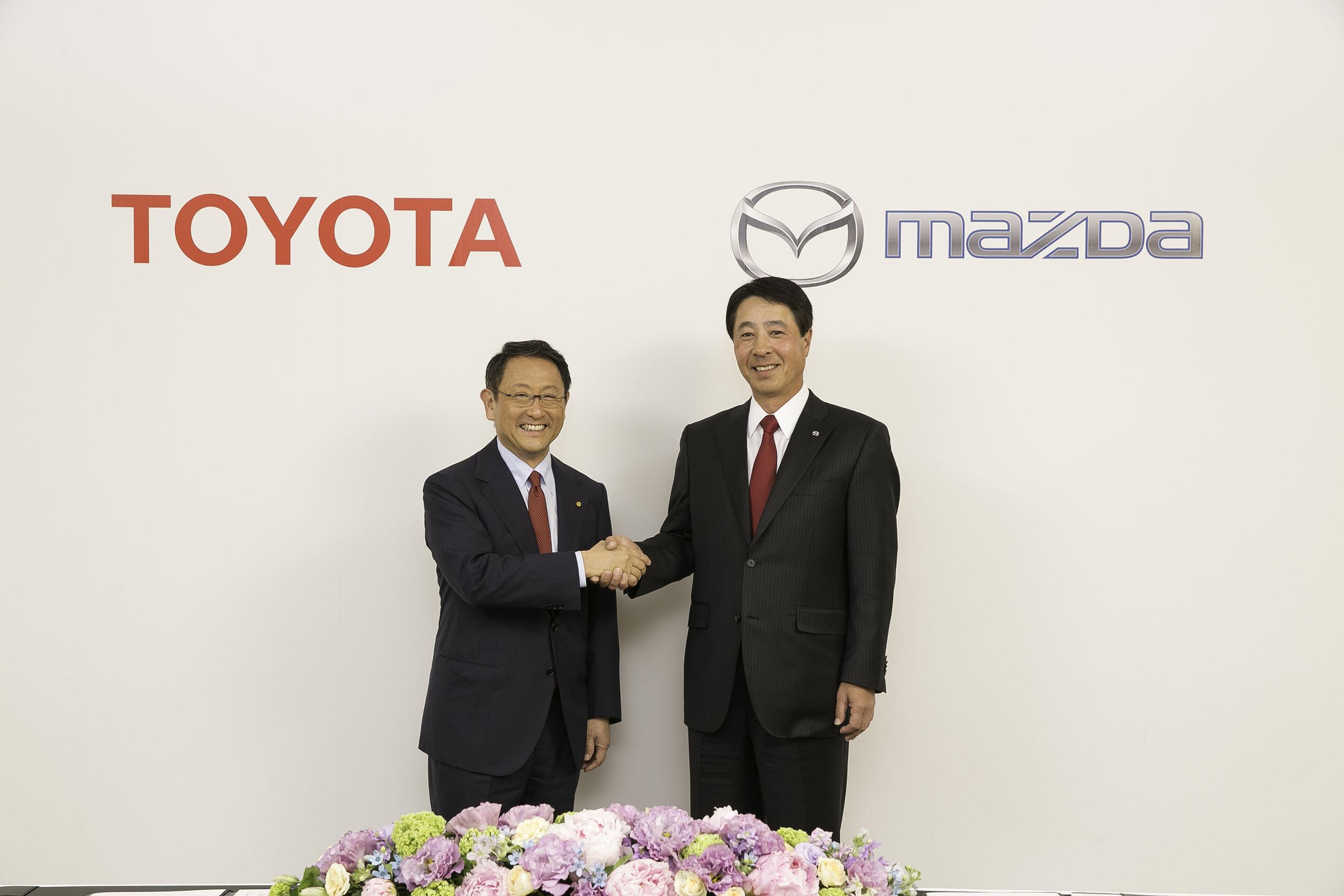 Imagem de Toyota junta forças com a Mazda para produzir carros elétricos e conectados no tecmundo