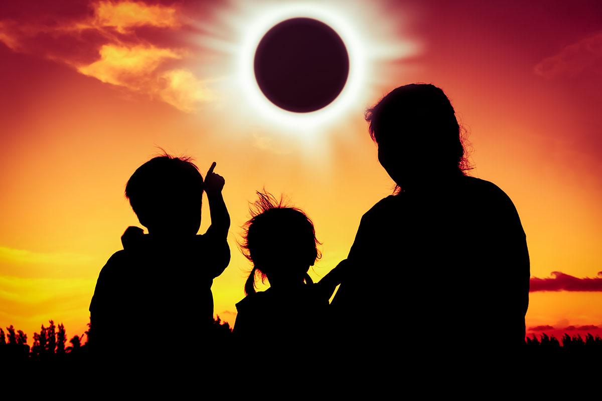 Imagem de Ao vivo, bicho! Eclipse vai ser transmitido pelo Facebook e pelo Twitter no tecmundo