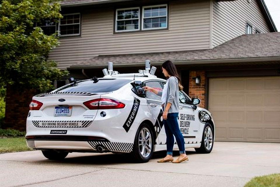 Imagem de Ford e Domino's vão entregar pizzas utilizando carro autônomo no tecmundo
