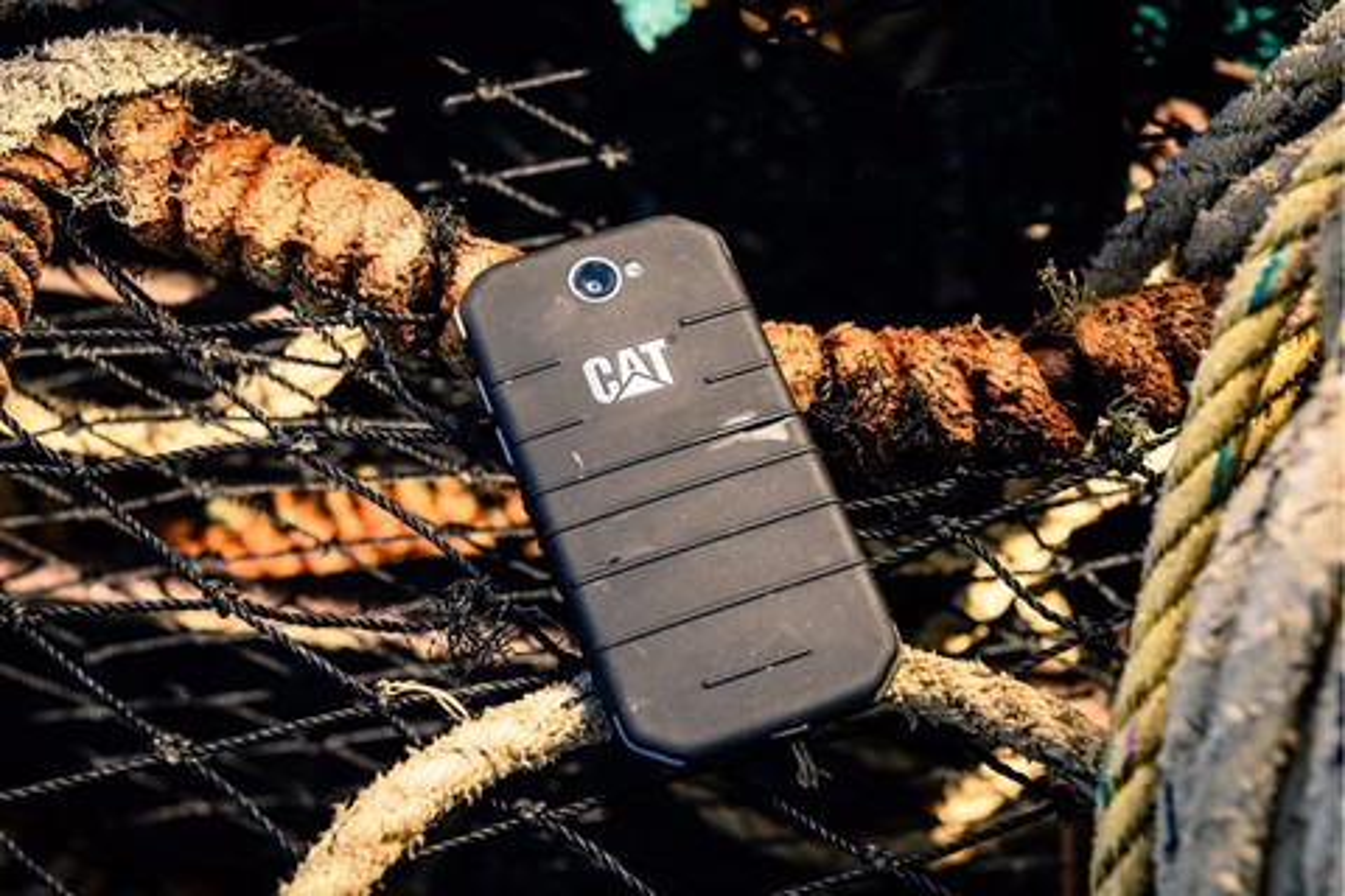 """Imagem de Novos smartphones da CAT, """"fortes como um trator"""", são mostrados na IFA no tecmundo"""
