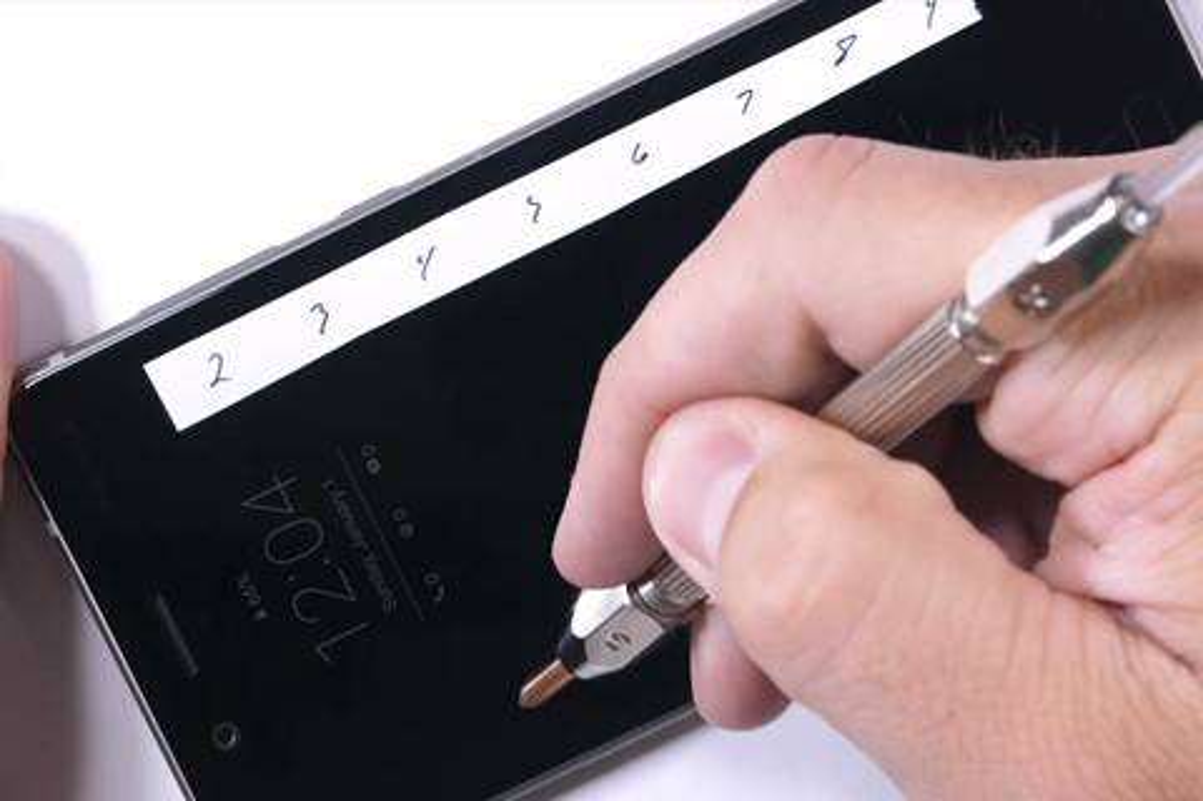 Imagem de Nokia 8 prova que aguenta bem em teste de resistência [vídeo] no tecmundo