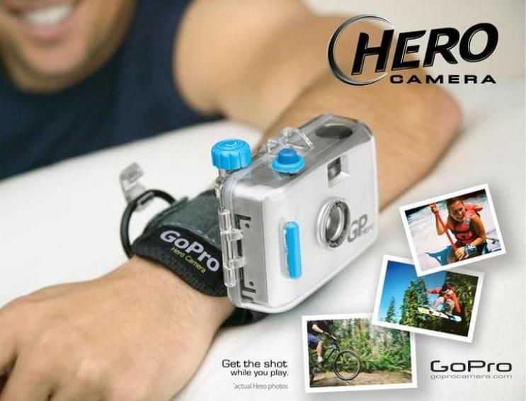 Um braço com uma GoPro.
