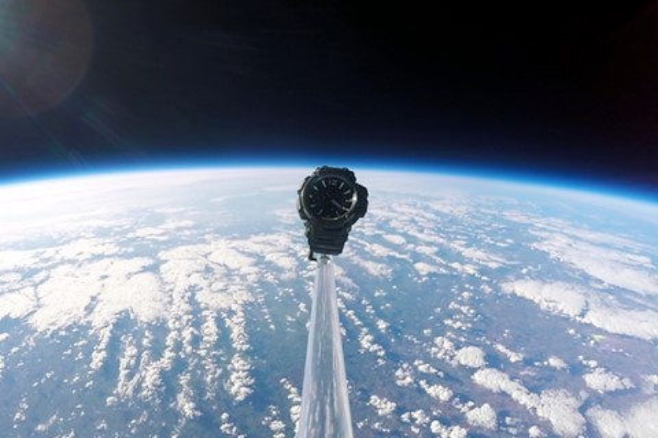 Imagem de Ao infinito e além! Casio G-Shock é enviado ao espaço e sobrevive a queda no tecmundo