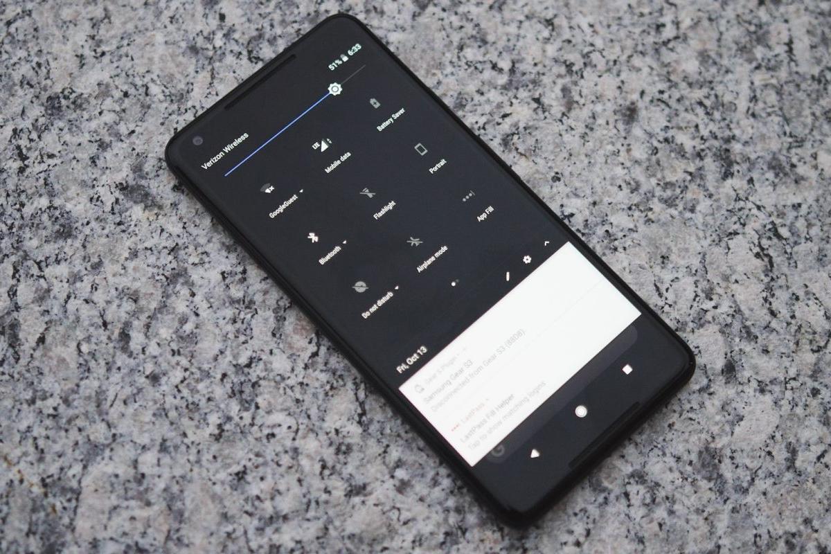 Imagem de Você sabia que o Pixel 2 tem um tema escuro escondido? Veja como ativa-lo no tecmundo