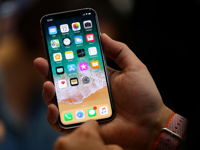 Imagem de Prepare o bolso: quanto vai custar para consertar a tela de um iPhone X? no tecmundo