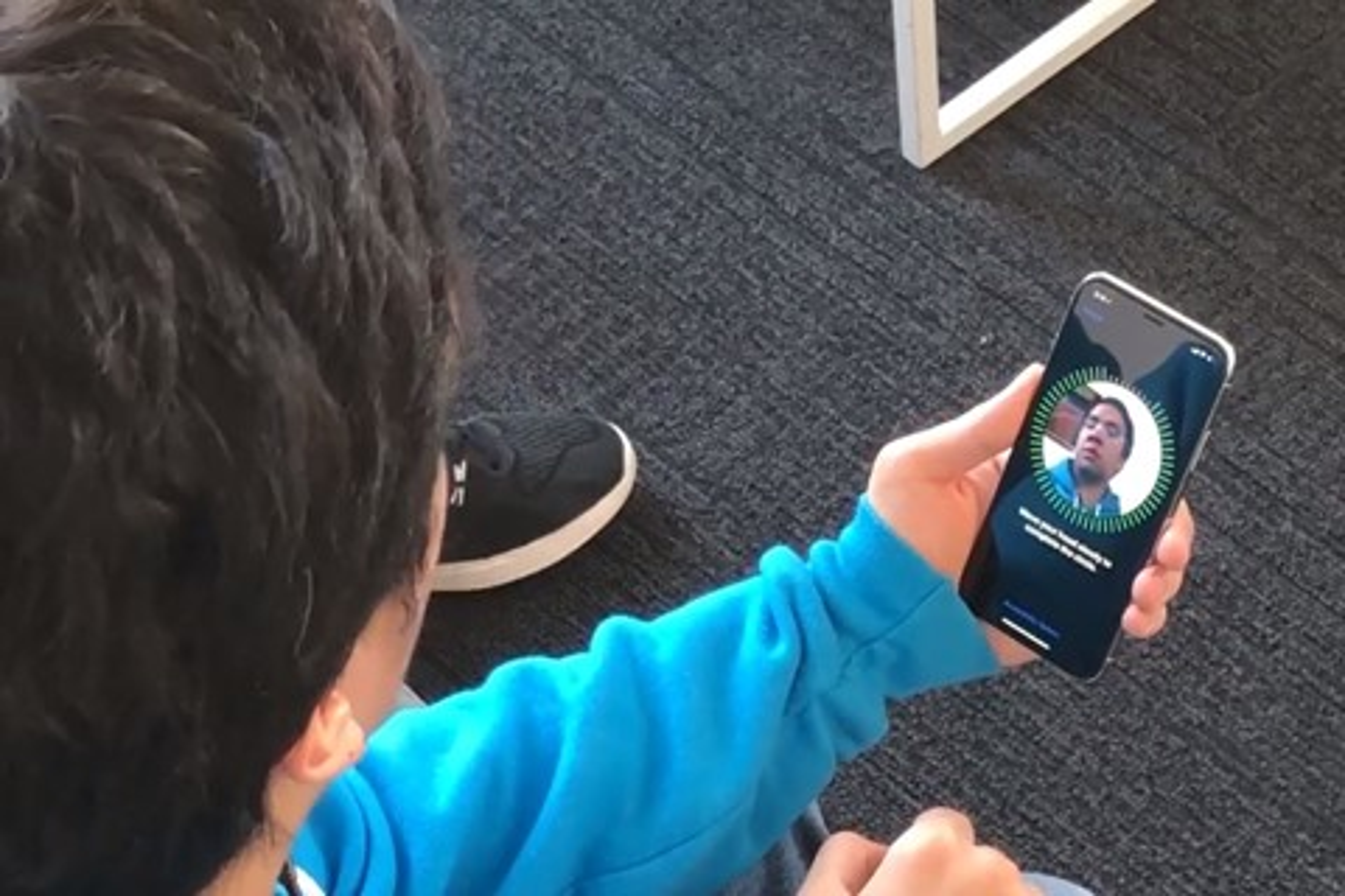 Imagem de Reconhecimento facial do iPhone X pode ser burlado por gêmeos idênticos no tecmundo