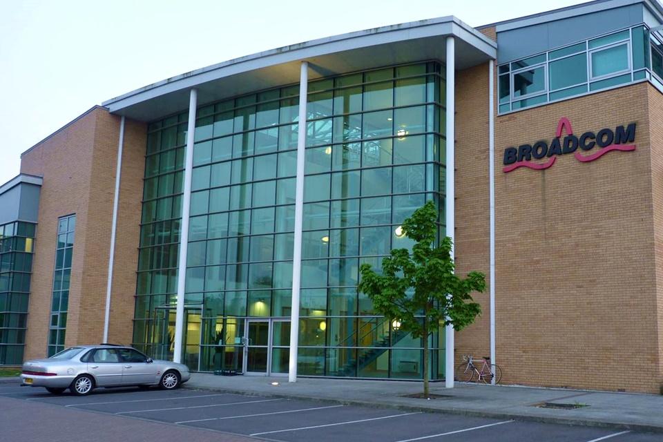 Imagem de Quem é a Broadcom, que pode se tornar a próxima gigante da tecnologia? no tecmundo