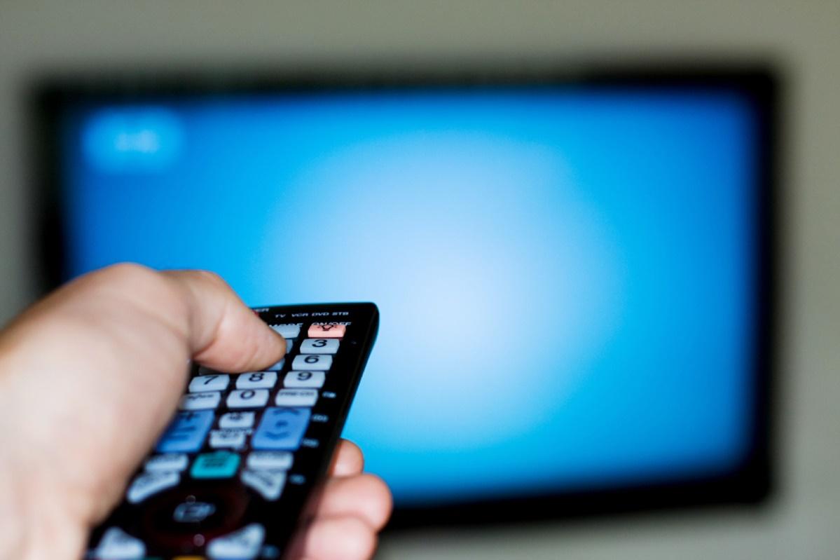 """Imagem de Youtuber é condenado na justiça por """"ensinar a piratear"""" TV por assinatura no tecmundo"""