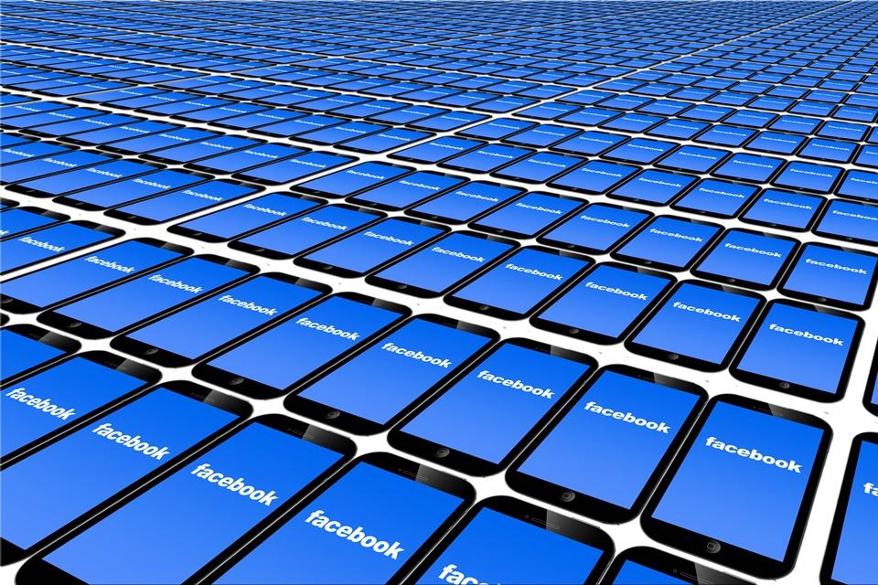Imagem de Facebook testará monetização em vídeos a partir de janeiro no tecmundo