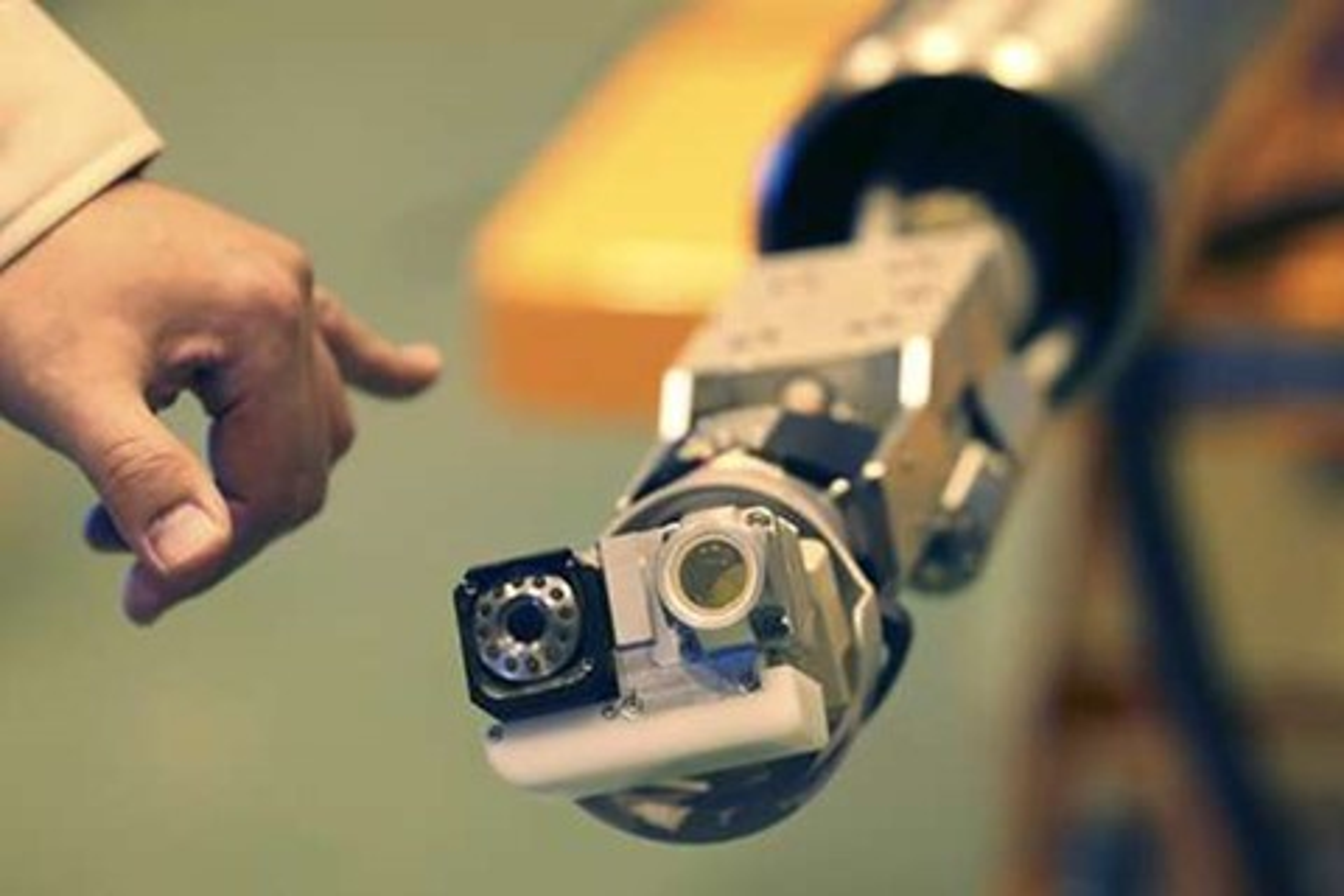 """Imagem de Robô em """"formato de cobra"""" vai inspecionar desastre nuclear de Fukushima no tecmundo"""