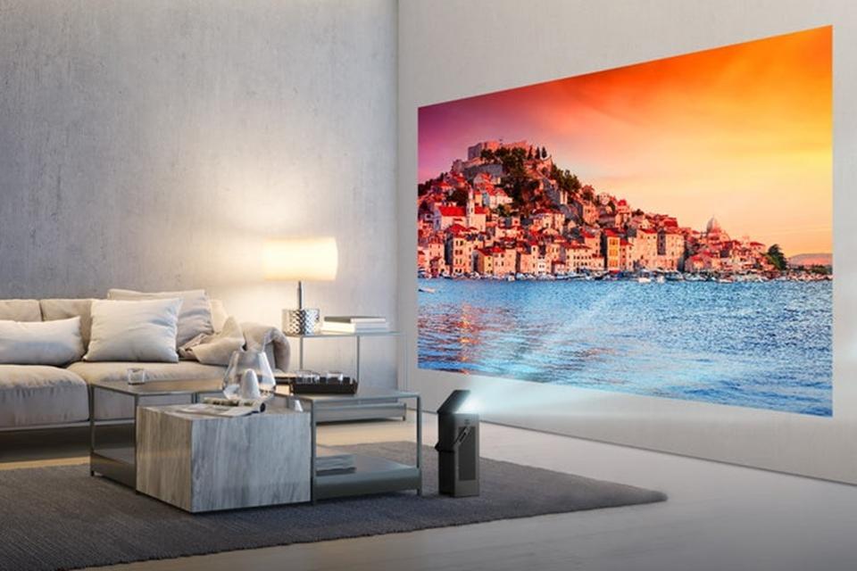 Imagem de Este pequeno projetor da LG consegue gerar imagens 4K de 150 polegadas no tecmundo