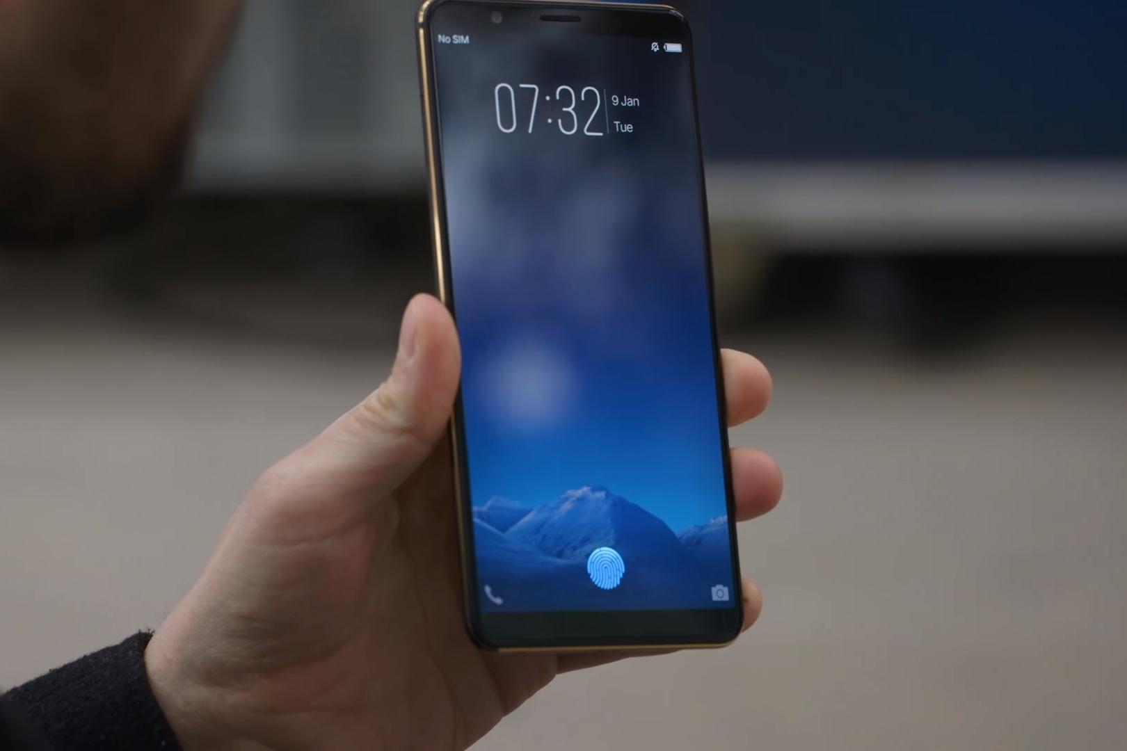 Imagem de Primeiro celular com sensor biométrico na tela é mostrado na CES 2018 no tecmundo