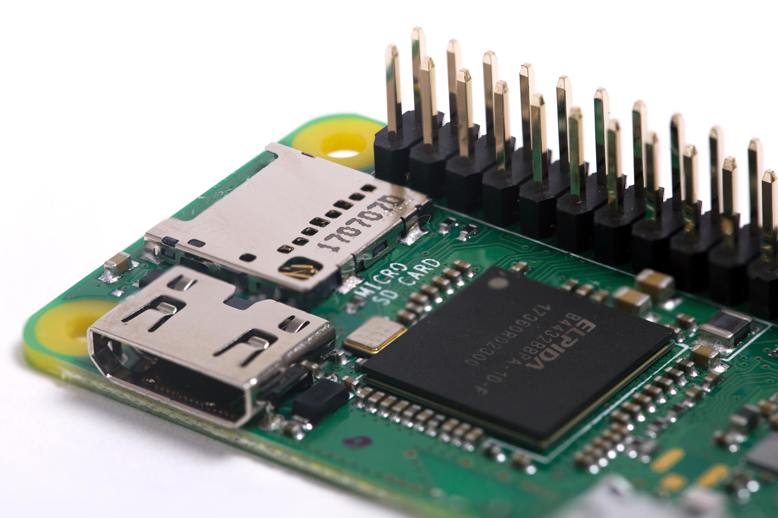 Imagem de Zero WH prova que é possível deixar um Raspberry Pi ainda menor no tecmundo