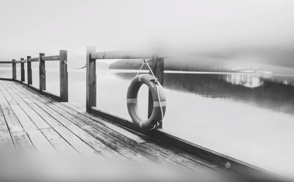 Ponte em preto e branco