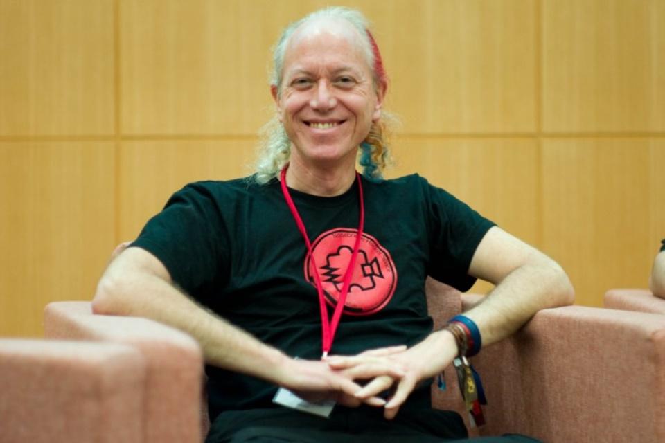 Imagem de Mitch Altman desconstrói o que é ser um hacker na Campus Party Brasil 2018 no tecmundo