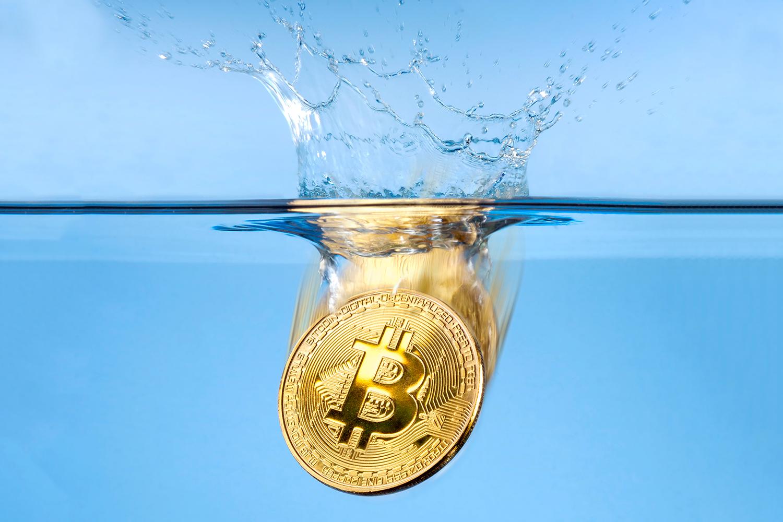 Imagem de Sistema para minerar bitcoins é resfriado em um grande tanque de óleo no tecmundo
