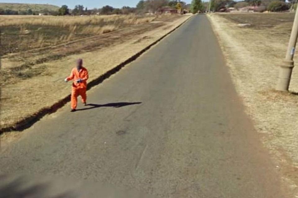 """Imagem de 16 cenas não muito """"legais"""" e ligeiramente bizarras achadas no Google Maps no tecmundo"""