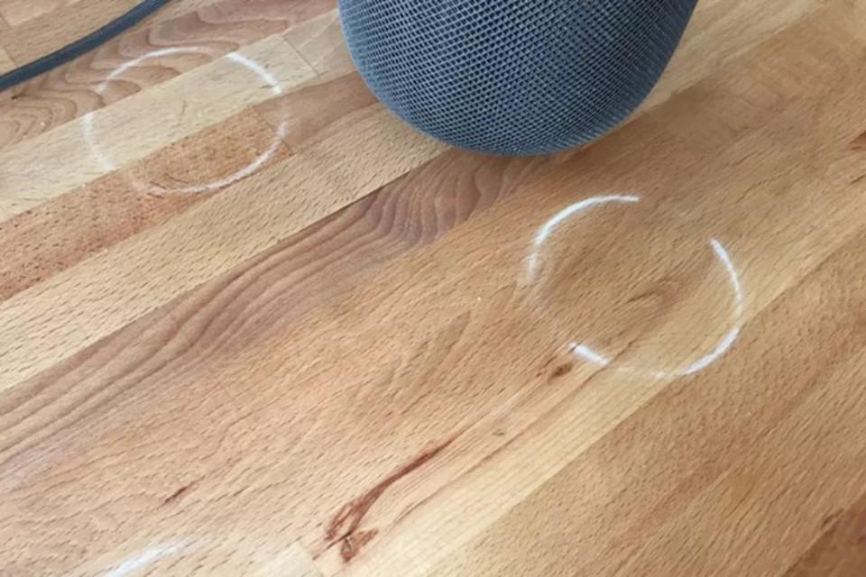 Imagem de HomePods da Apple podem deixar manchas em superfícies de madeira no tecmundo