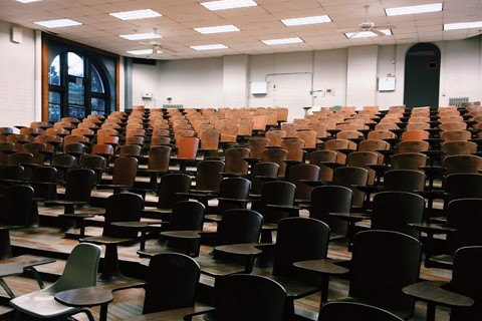Imagem de Universidade prevê desistências analisando os dados da certeira de acesso no tecmundo