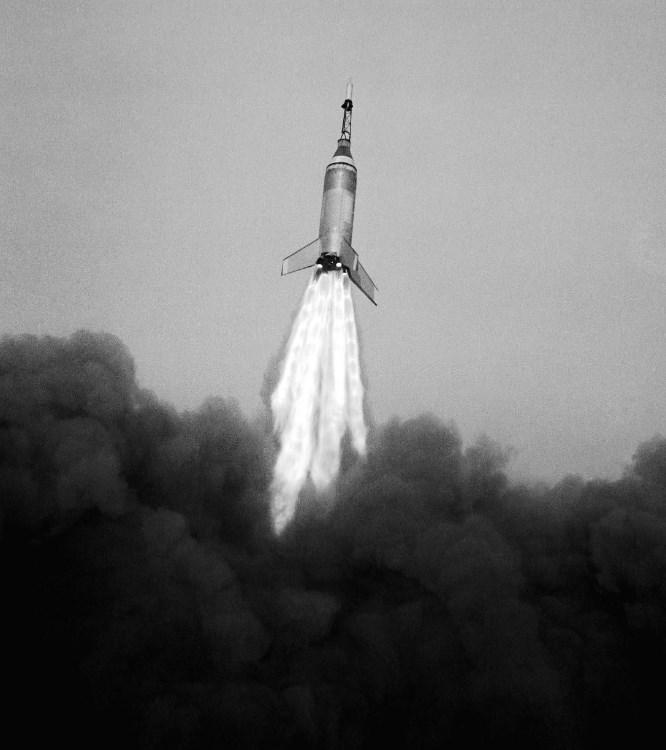 SpaceX lança nova versão do foguete Falcon X 9. Assista ao vivo