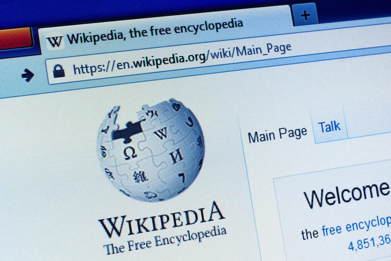 Imagem de Páginas da Wikipédia serão enviadas para a Lua em pequenas placas metálicas no tecmundo