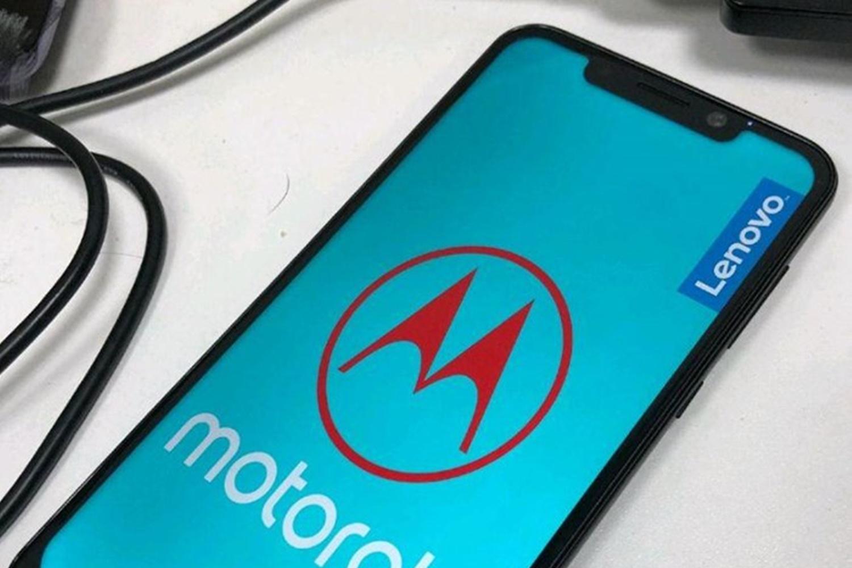 Imagem de Vazam especificações do One Power, o clone do iPhone X feito pela Motorola no tecmundo