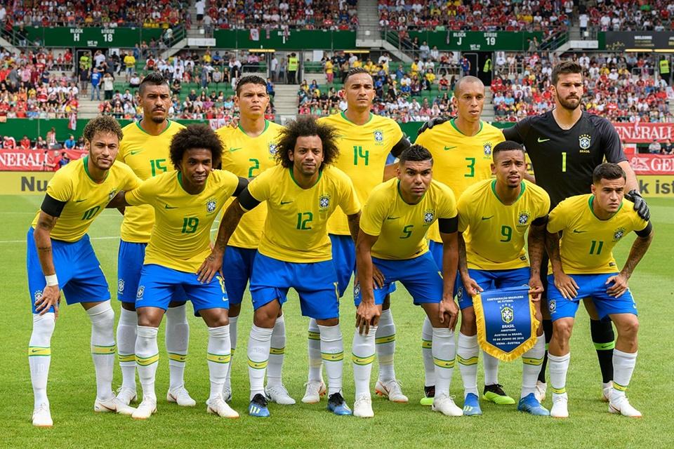 """Imagem de É clima de Copa: experimentou escrever """"Gol"""" ou """"Vai Brasil"""" no Facebook? no tecmundo"""